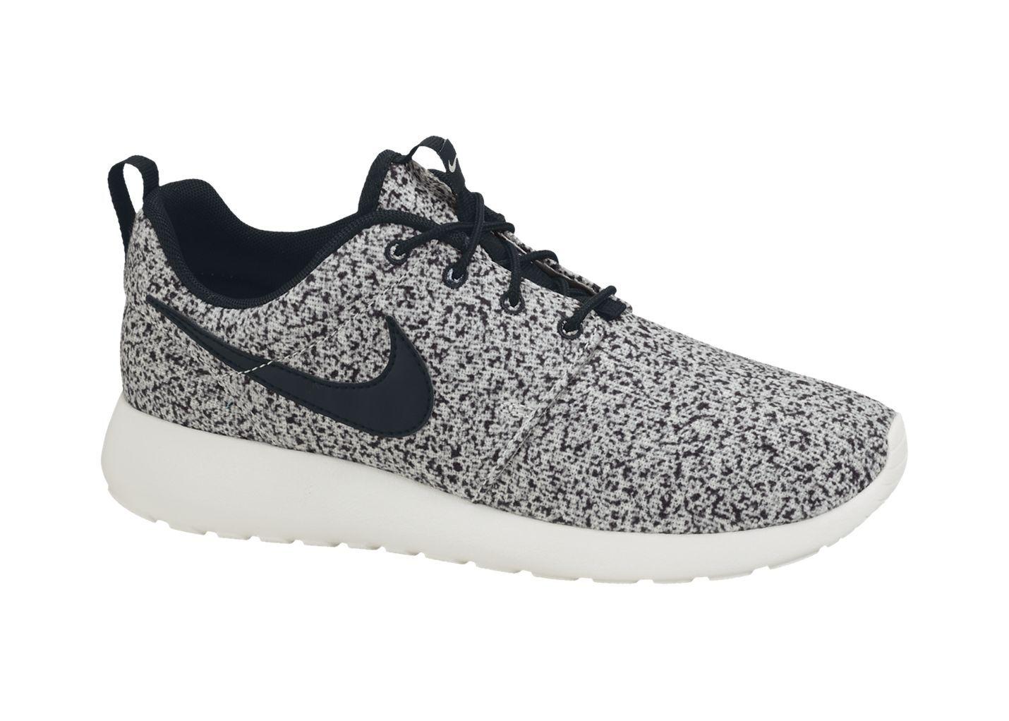 Nike Store. Nike Roshe Run Womens Shoe