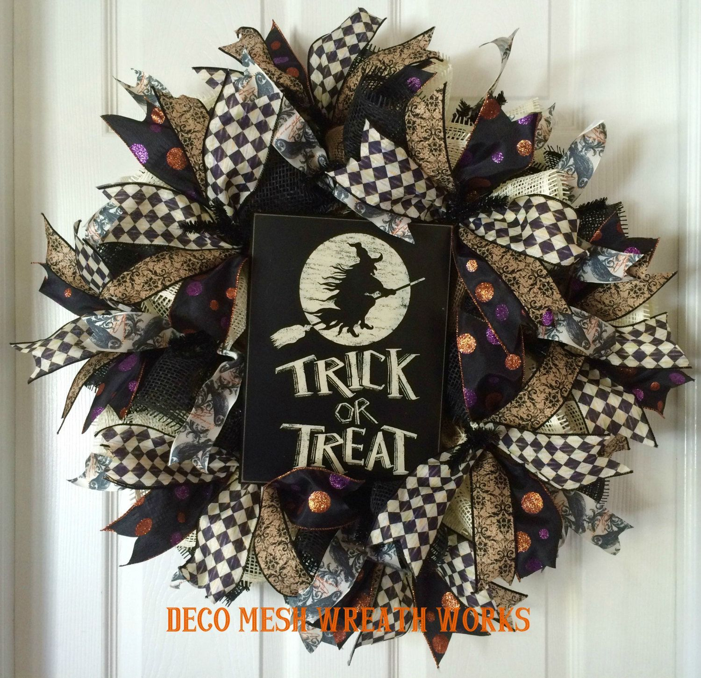 Halloween Wreath, Halloween Wreaths, Trick or Treat Wreath, Burlap Wreath, Mesh Wreath, Paper Mesh Wreath, Deco Mesh Wreath, Halloween Decor #halloweenwreaths