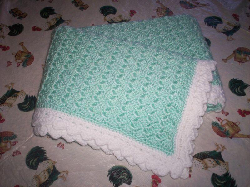 patron crochet couverture bebe gratuit couvertures pinte. Black Bedroom Furniture Sets. Home Design Ideas