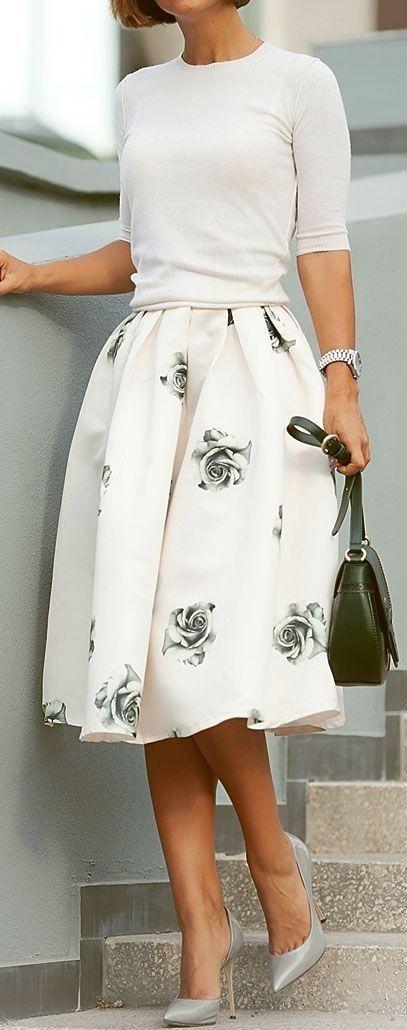 #casual #outfits #street #style #fashion #inspiration | Blanca de la tapa + falda de flores de                                                                              Fuente