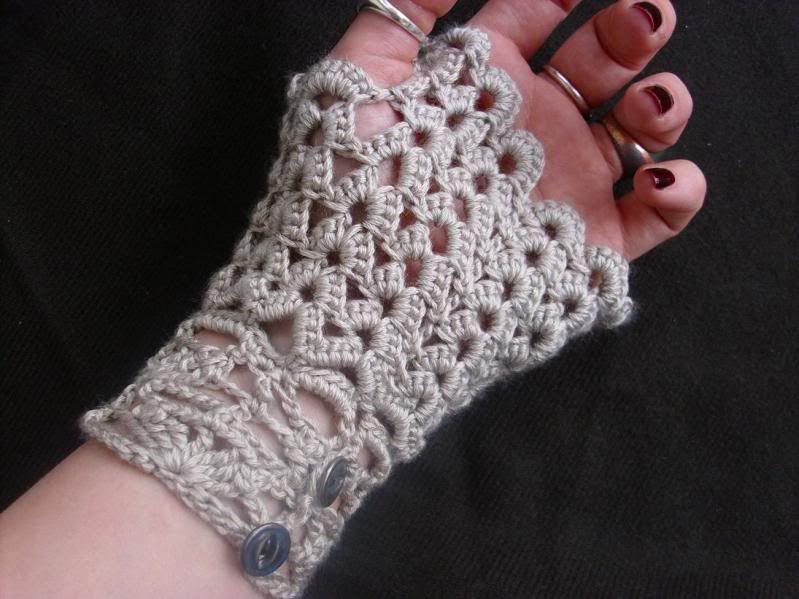 free crochet patterns for fingerless gloves   Crochet Neo Victorian ...