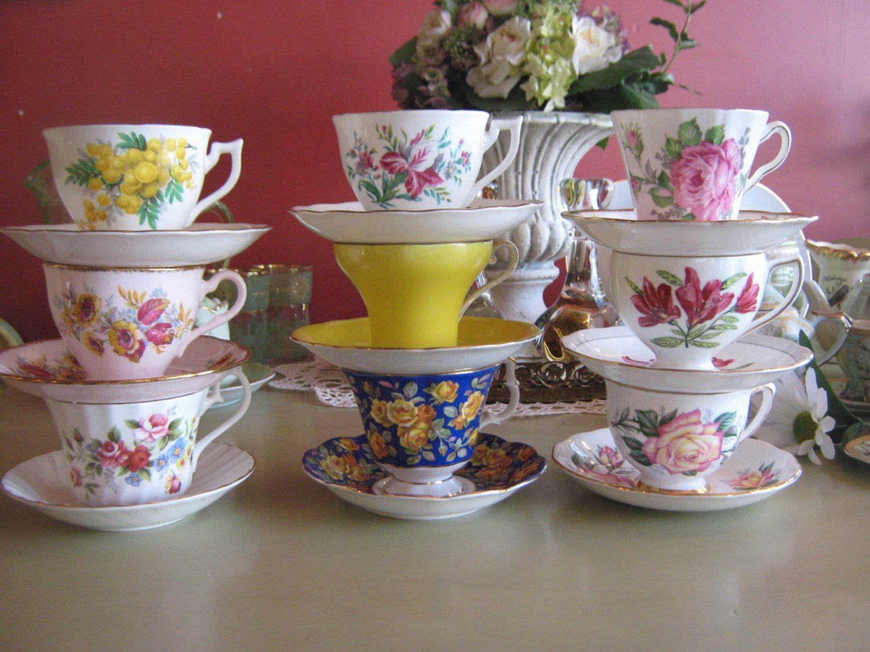 Lot de tasses en fine Porcelaine Bone China Made in England de la boutique aichavintage sur Etsy