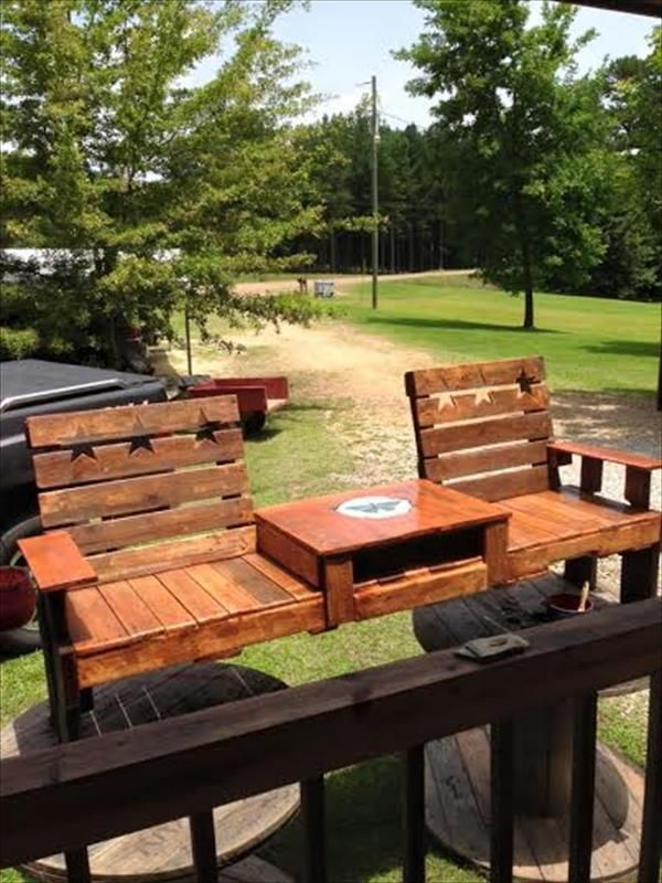 Build this pallet double chair garden bench