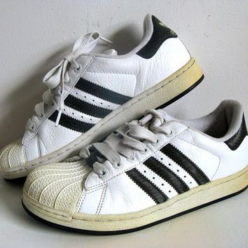 Shoes Down Walking Adidas Memory Lane 1980's FxfPqw8