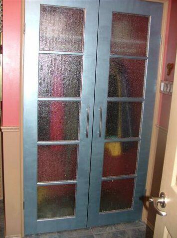 Updating Closet Doors Like The Look But Not The See Through Closet Doors Painted Doors Basement Remodeling
