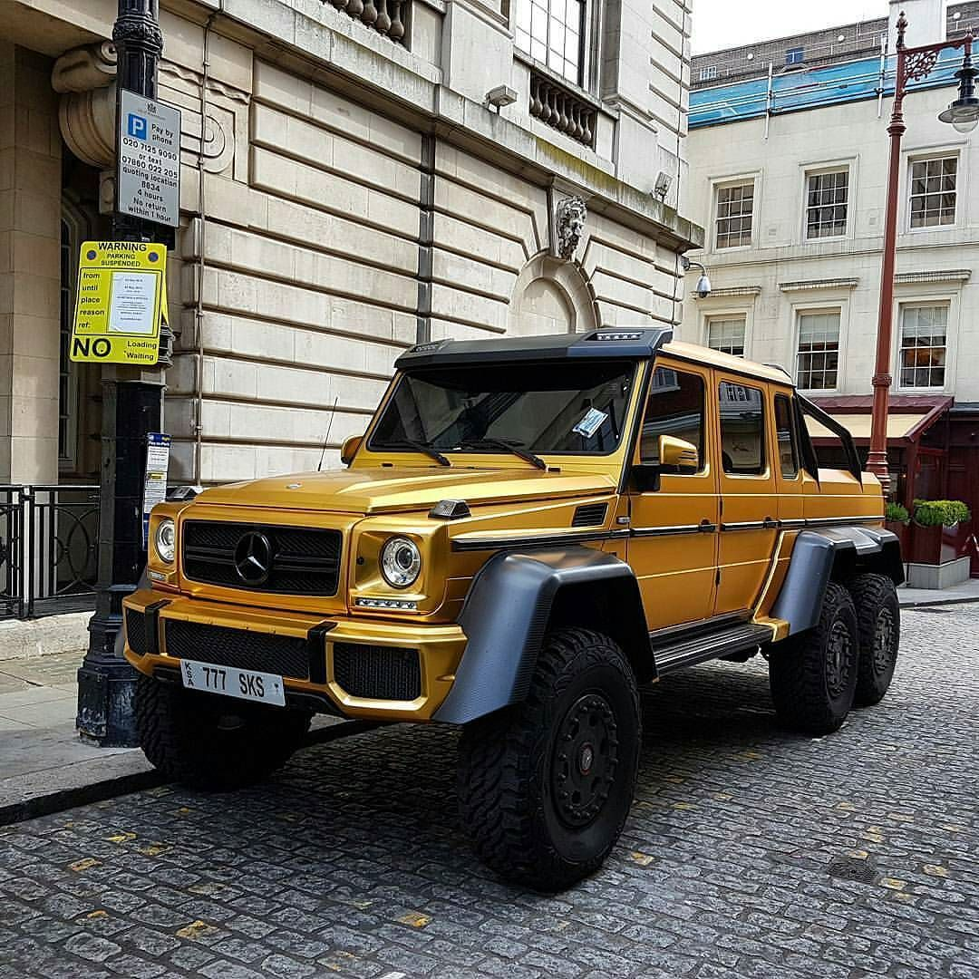 Yess gold cars... Back at it with that famous gold Mercedes-Benz G63 AMG 6x6  Photo by @bhp_king #petrolheadworld #mercedesbenzg636x6 #g636x6 by petrolheadworld