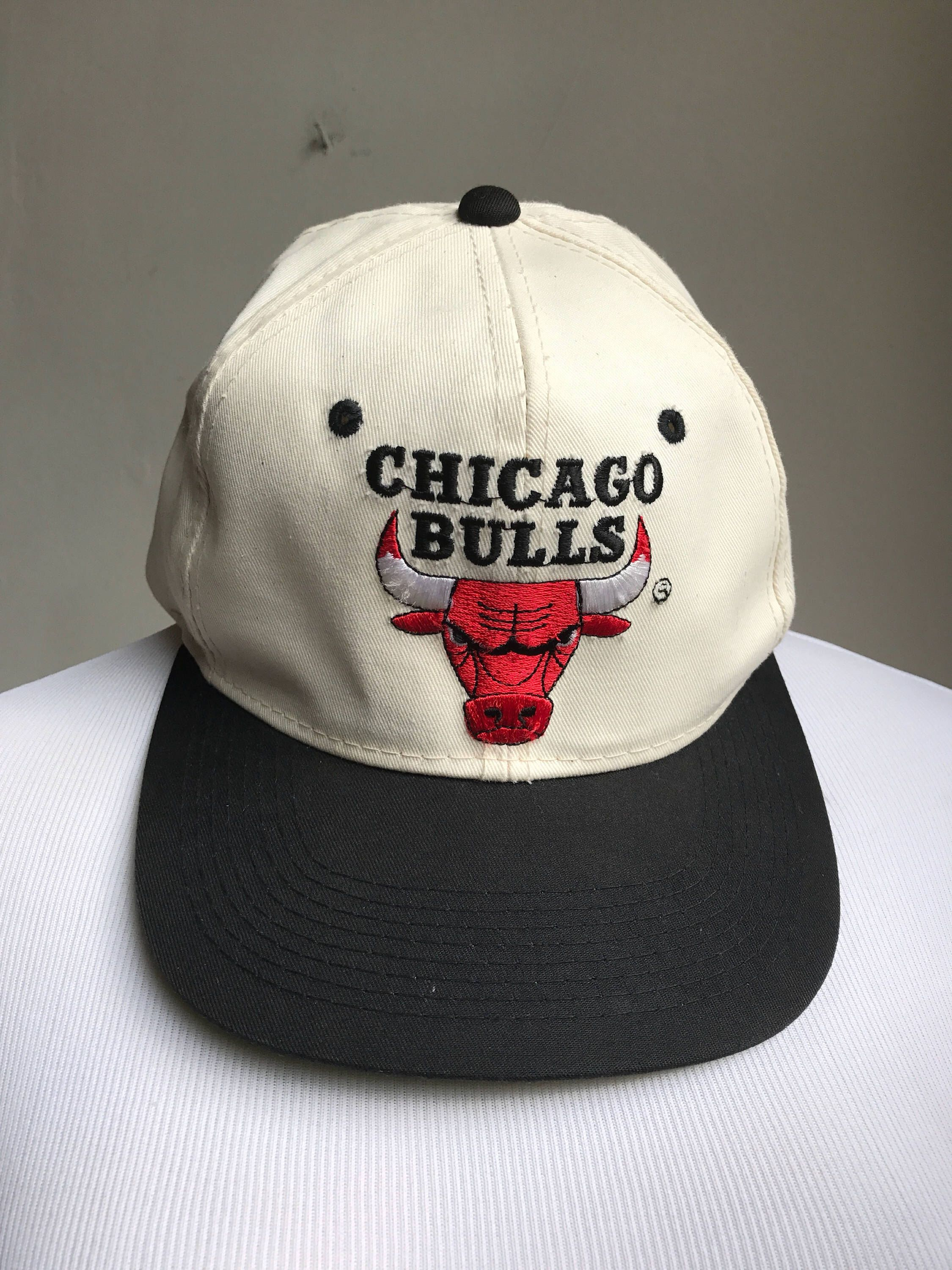 1211f15784d Vintage Chicago Bulls Hat