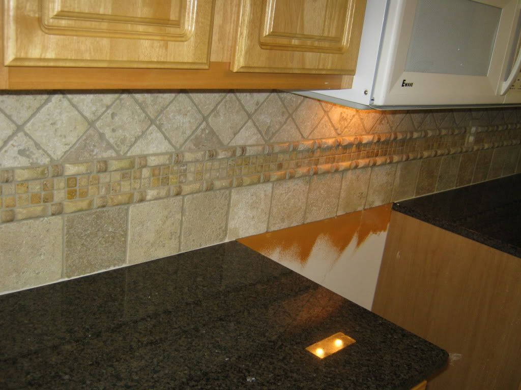 Tile patterns with tropic brown granite tile for Kitchen tiles design photos