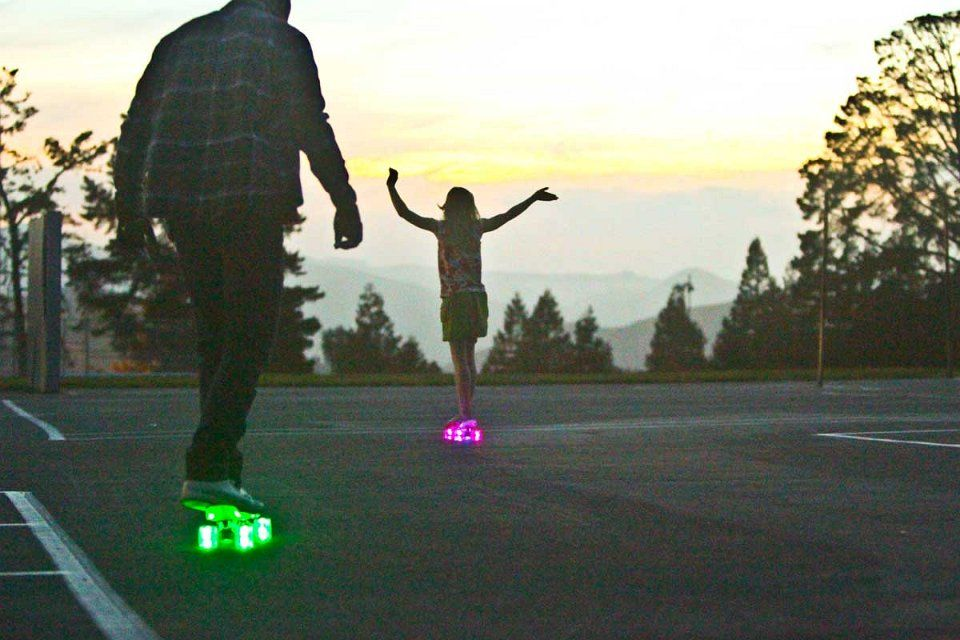 How cool is a self illuminated cruiser skateboard with LED wheels?