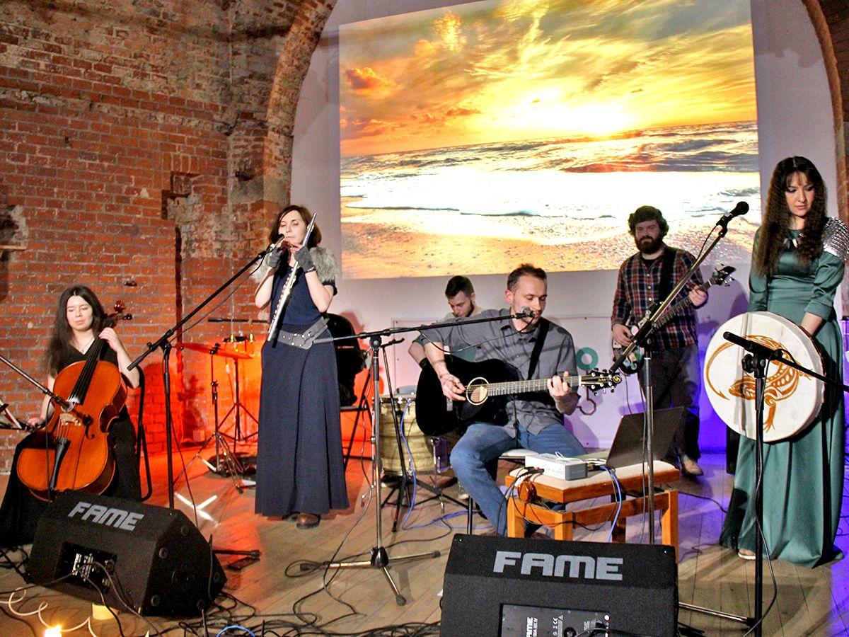 На концерте группы «Дамрава» в Закхаймских воротах, Калининград