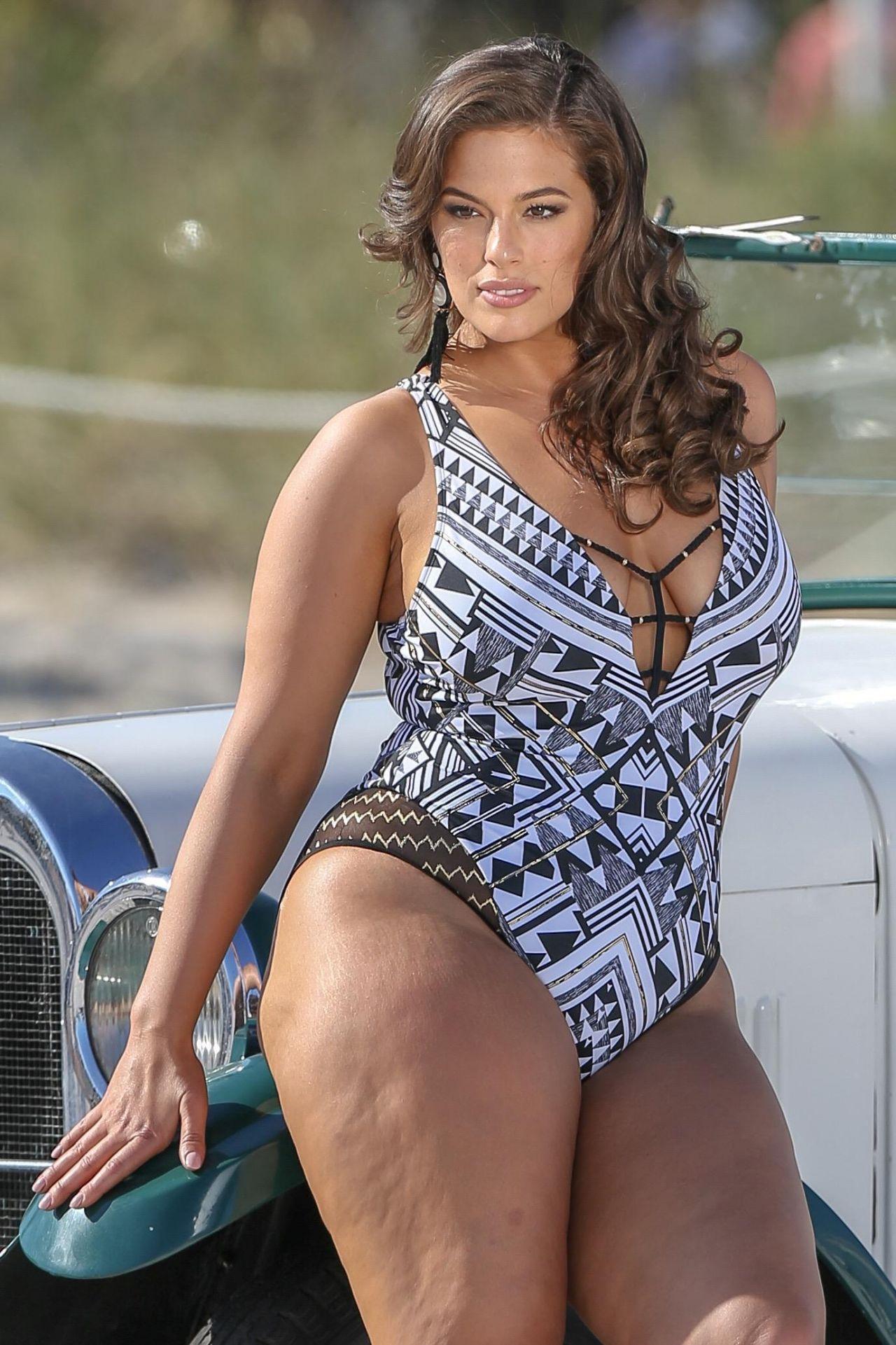 Bikini, Badeanzüge, Ashley Graham, Miami, Übergröße, Maisbrot, Schwarz,  Promis 1c6ce420c8