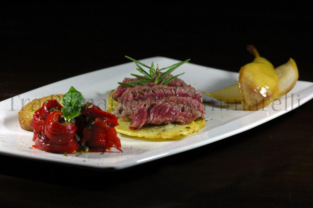 Photo of My recipes – Sliced beef, with crispy potatoes, pe …