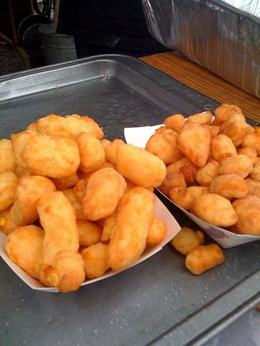 Deep Fried Cheese Curds - my canadian heart loves this idea