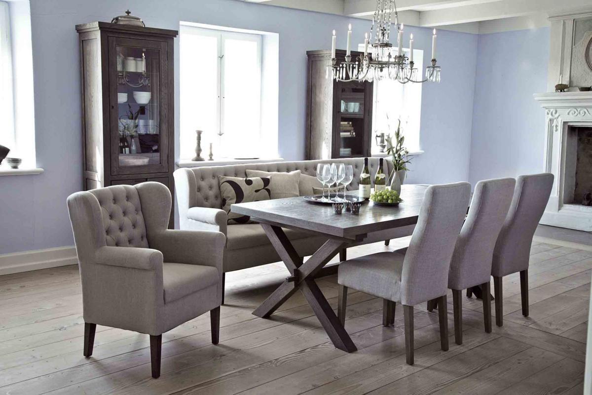 Esszimmer mit bequemem Tischsofa und Sesseln am Esstisch, Esszimmer ...