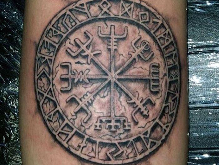 1001 coole und realistische Viking Tattoos zum Inspirieren ...