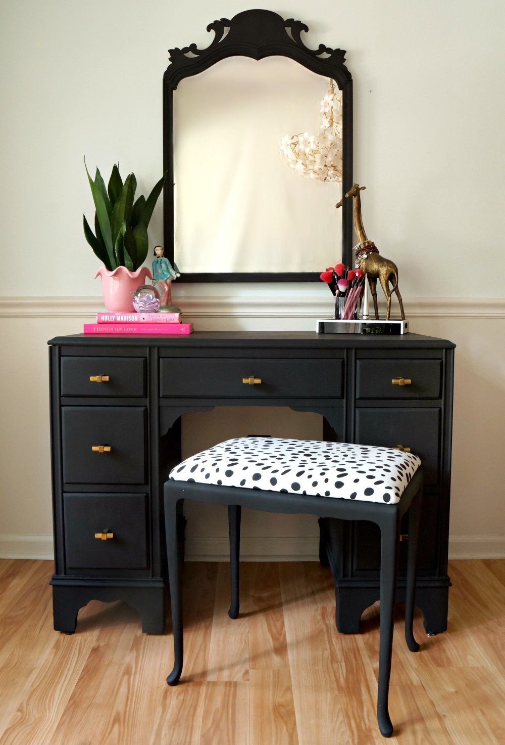 black and gold vanity set with polkadot seat so cute - Black Vanity Set