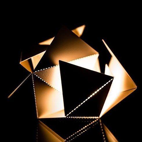 折り紙ランプ。   感覚を刺激する22のアート&デザイン