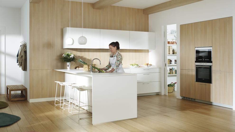 Els With Full Kitchens | Cuines Santos La Distribucio En U Crea Un Espai Central