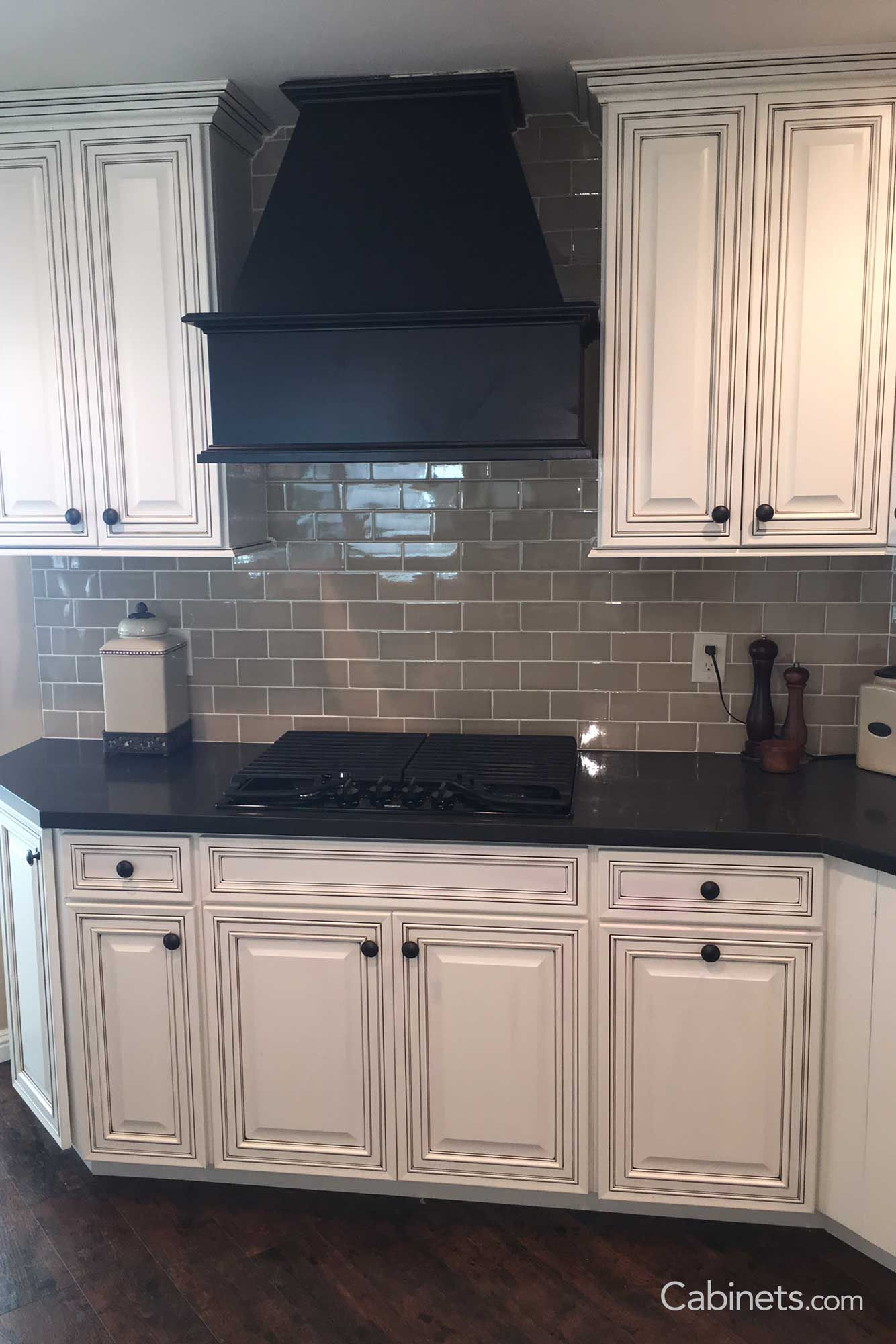 1500 Real Kitchen Photos Cabinets Com Gallery Cabinets Com White Cabinets Black Countertops White Glazed Cabinets Paint Cabinets White