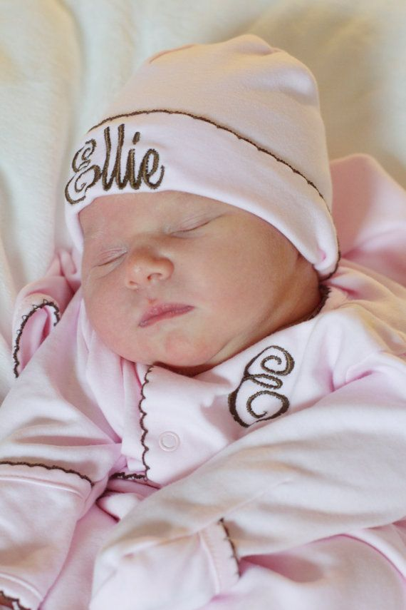 Take Home Outfit Hat Gift Baby Shower Daisy Flower Personalized Newborn Baby Coming Home Layette Gown Set Outfit Custom Shower Gift