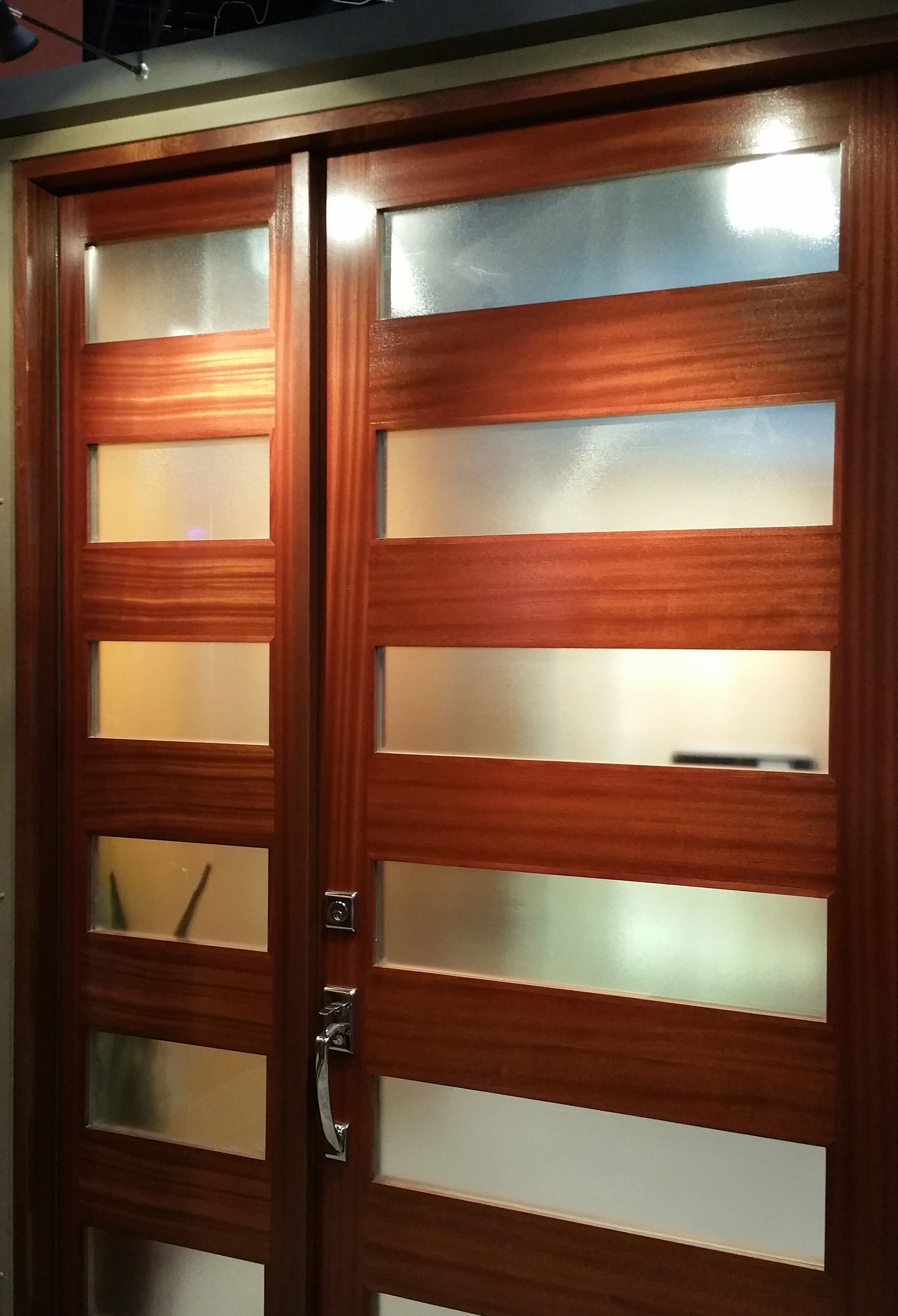 7405 with Satin Etch Glass in White Oak