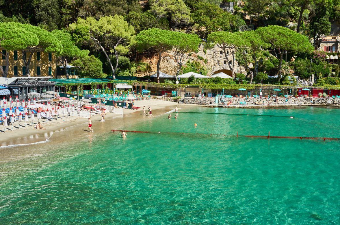 Bagni fiore paraggi beach club euro pp portofino italy in