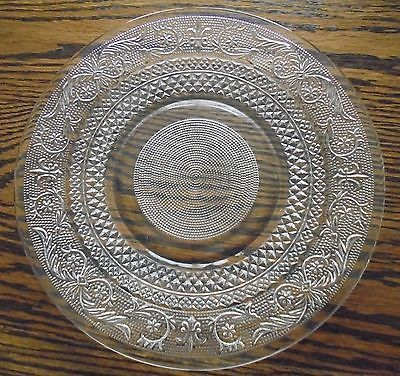 Lot Of 8 Kig Malaysia Fleur De Lis Clear Pressed Glass Dinner Plates 10 Dia Glass Event Table Decorative Plates