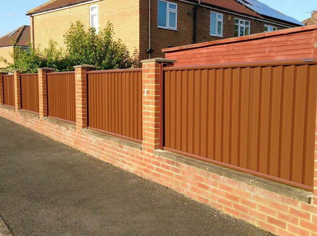 Plain brown Colourfence between brick pillars | Fence ...