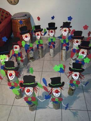 Holz baumstamm deko moosgummi karneval clown birkenstamm oben anschr gen mit acrylfarbe ein - Tischdeko karneval ...
