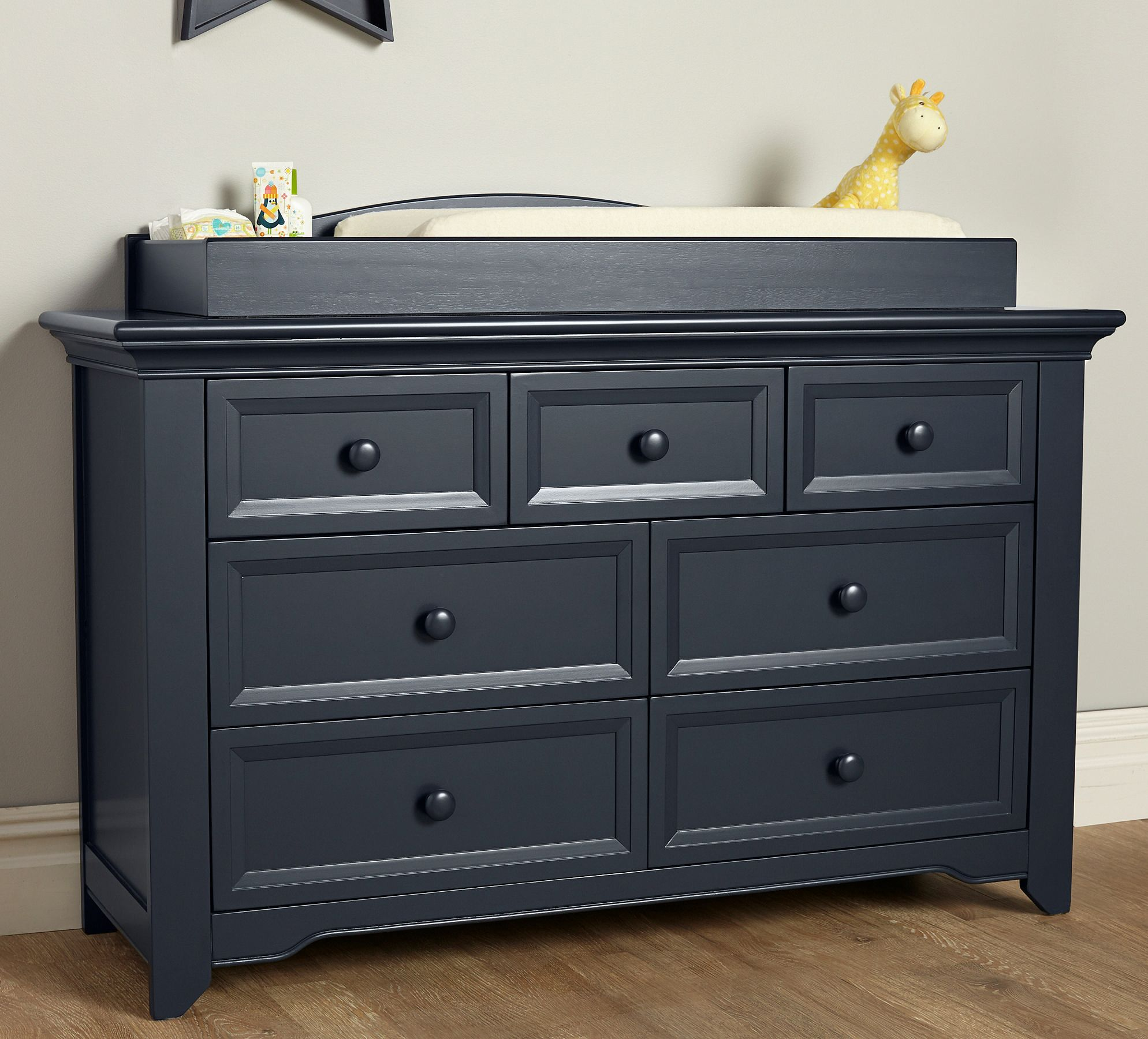 Baby Cache Harbor 7 Drawer Dresser