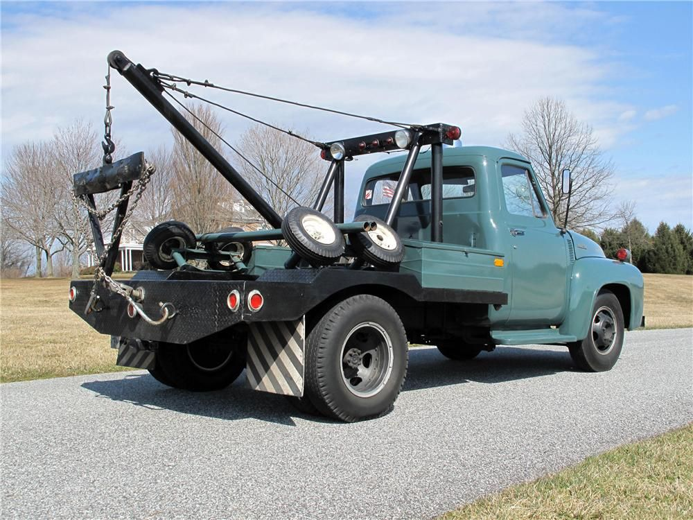 1953 FORD F-350 TOW TRUCK - Rear 3/4 - 125282 | HOOKer,s--n--BED,s ...