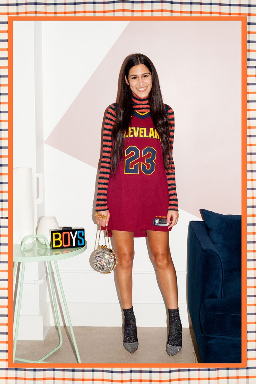 How To Wear A Nike Nba Jersey Off The Court Jersey Outfit Basketball Jersey Outfit Nba Jersey Outfit