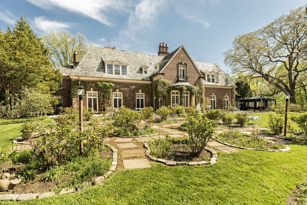 While many have been torn down, some of the North Shore's famed historic mansions remain in private hands. Arthur and Lisa Robbins live in the former Percy Pyne estate in Roslyn Harbor.