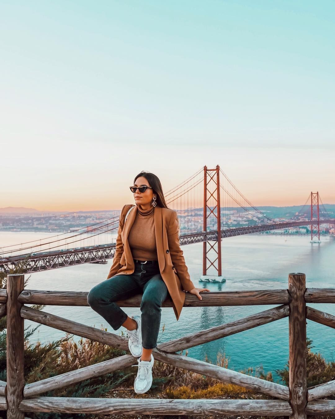 "Dᴇʙᴏʀᴀ Mᴏɴᴛᴇɪʀᴏ on Instagram: ""Whenever you feel like giving up, just think of the view from the top ✨ #photooftheday #ootd #lisbon #view #love #girl #city"" #bestplacesinportugal"