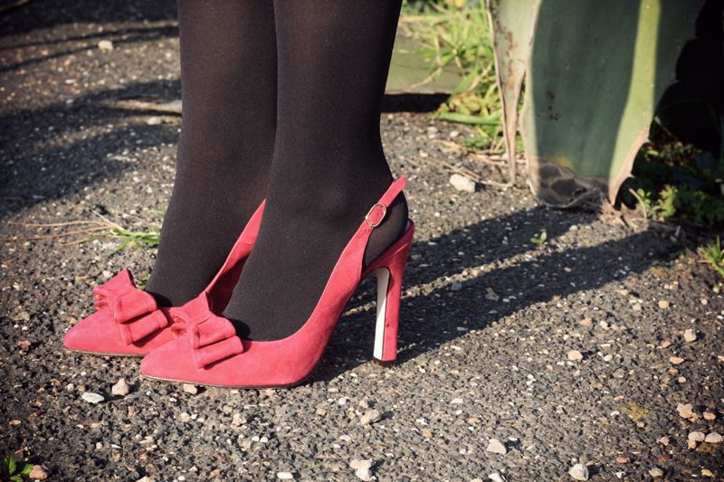 #fashion #shoes Glamgerous - Fashion Blogger: Black, Black and Red