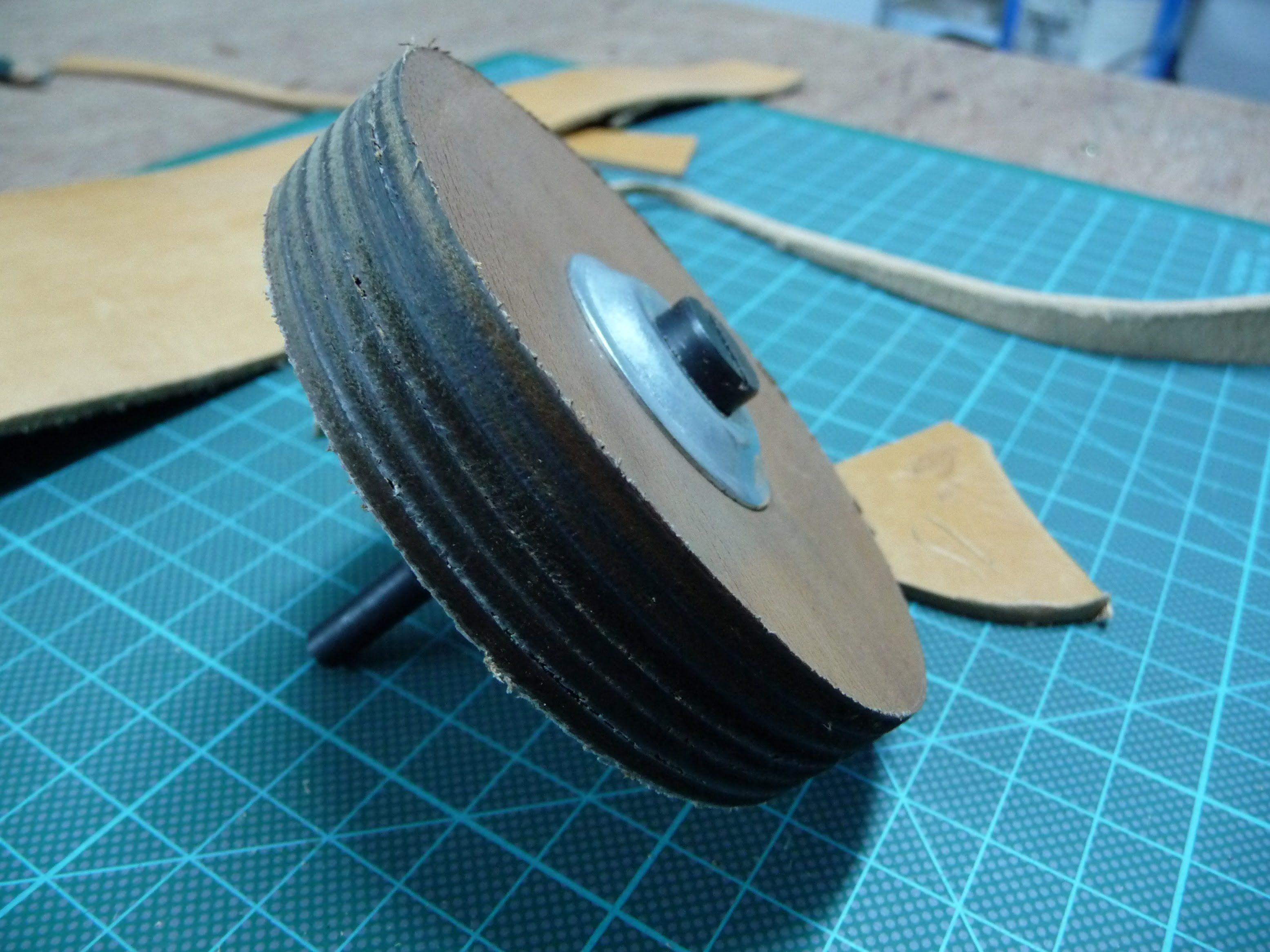 Diy Leather Strop Wheel Sewing Leather Shop Plans Leather