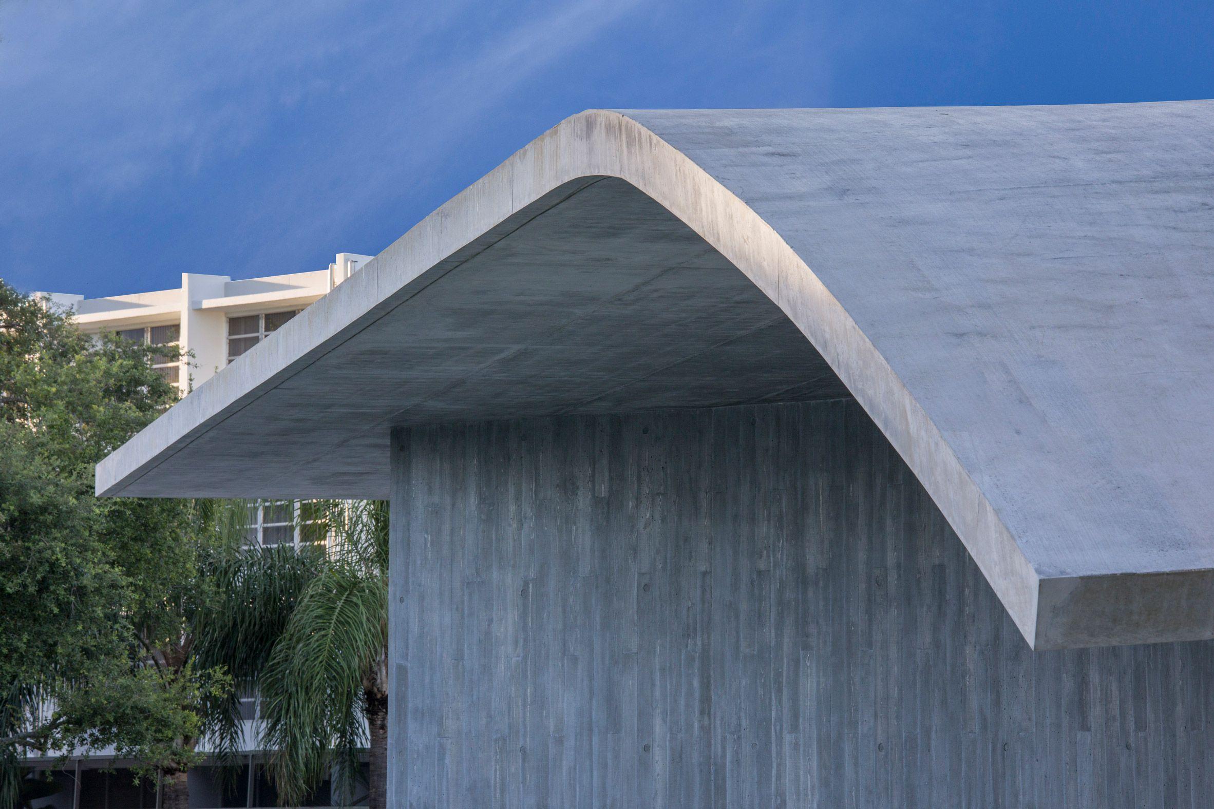 Warped Concrete Roof Tops Miami Architecture School By Arquitectonica Miami Architecture Architecture School Architecture