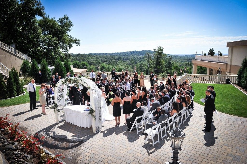 Beautiful Outdoor Wedding Ceremony Gorgeous Fl Alter Planning An