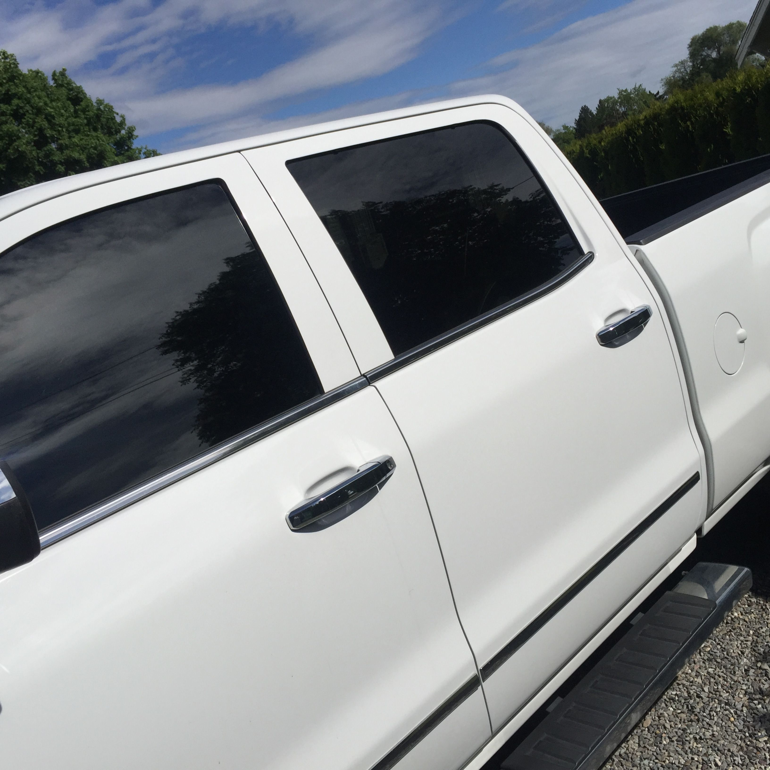 Sometimes People Only Want The Front 2 Windows Tinted To Match The Back And That S Okay We Can M Commercial Window Tinting Tinted Windows Tinted House Windows