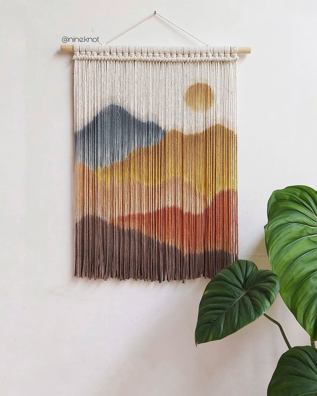 "Nine Prelline's Instagram photo: ""Neutral woodsy tone #macramewallhanging #macramejakarta #macrameclub #macramemakers #macrameindonesia #homedecor #homedecorlovers…"""
