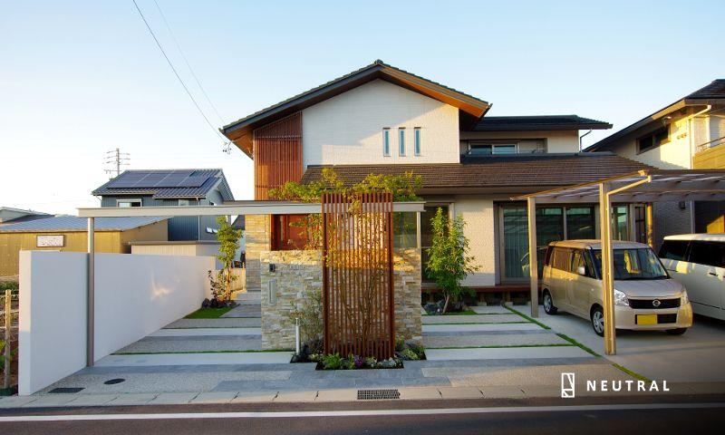 おしゃれで広い間口の外構施工例 広い家 ホームウェア 建築家