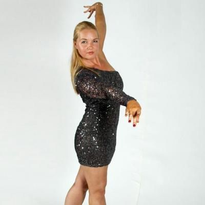 These Professional Dance Instructors Provide Group And Private Lessons At Any Level They Offer