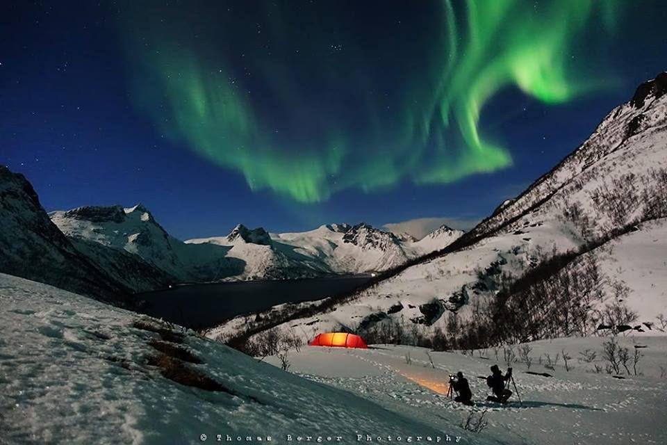 Teltliv på Senja med nordlys i snøen. Takk for nydelig bilde, Thomas Berger's Photoworld