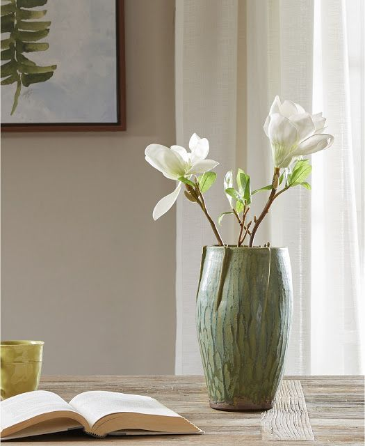 Best Ways To Redecorate With Green: 30 Beautiful Ways To Decorate With Green Plus Free Fern