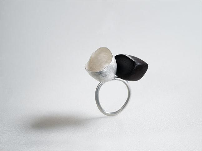 Adele Brereton. Cup Ring silver, wood