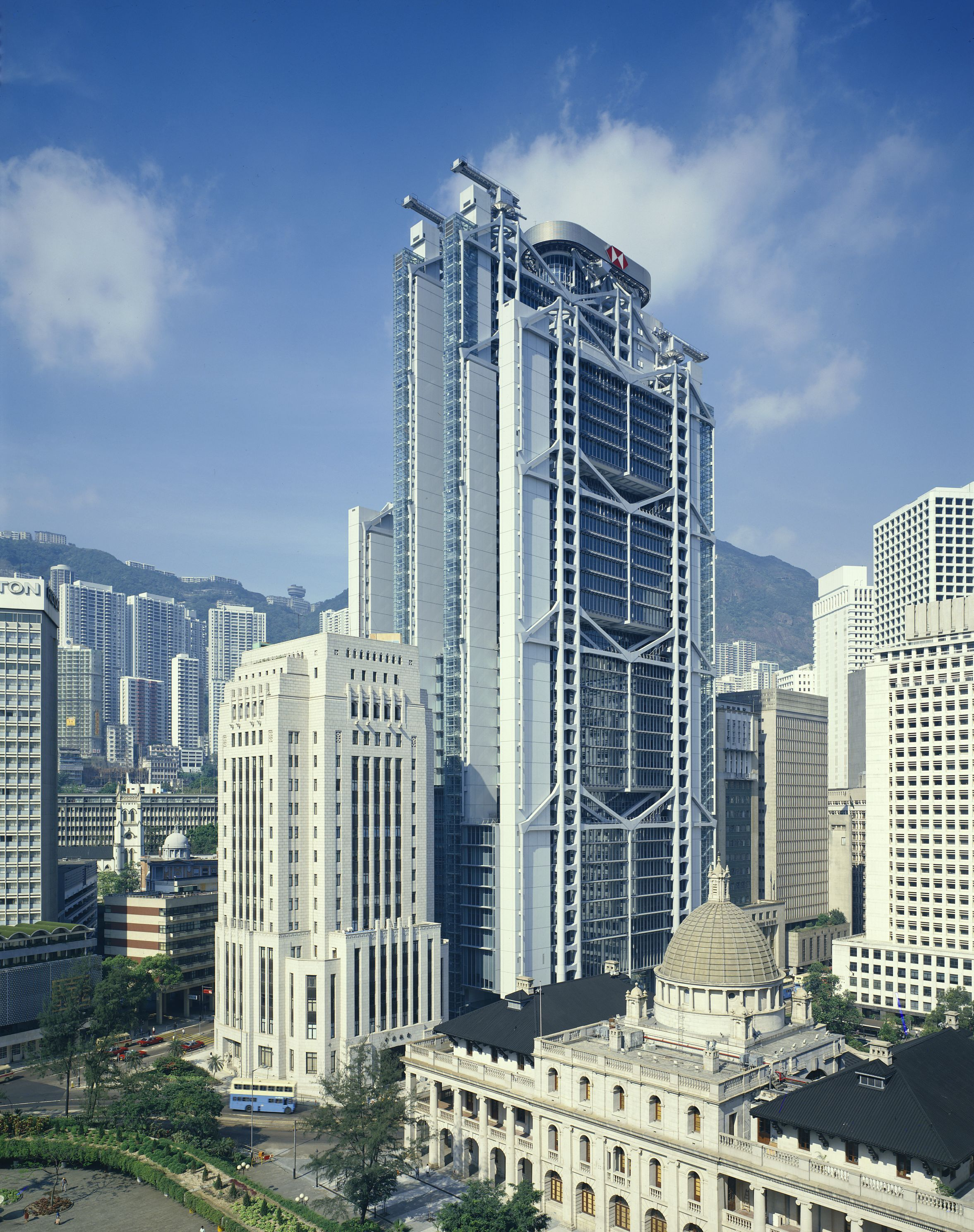 Hsbc Building Hong Kong Designed By Norman Foster