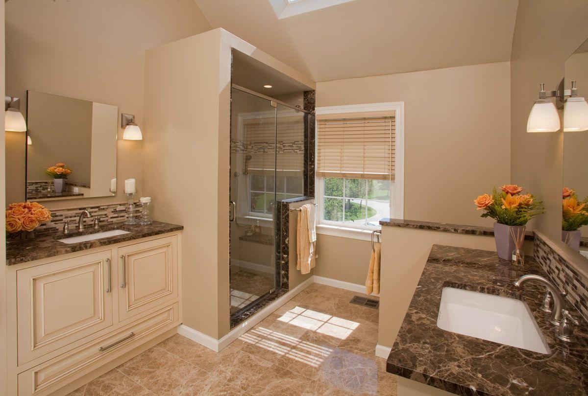 25 luxurious bathroom design ideas master bathrooms for Simple master bathroom designs