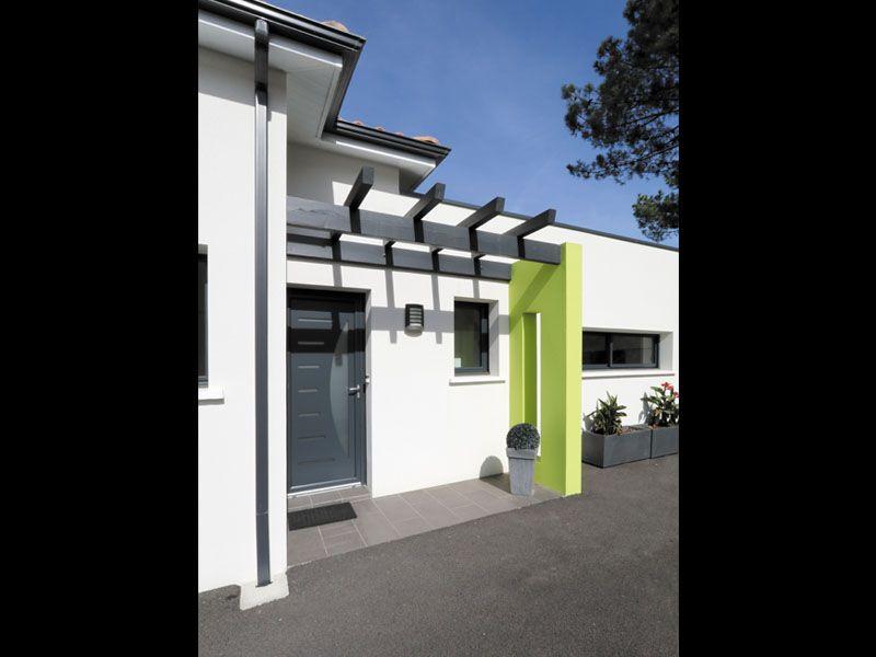 Une superbe maison design IGC  porche du0027entrée Maisons design