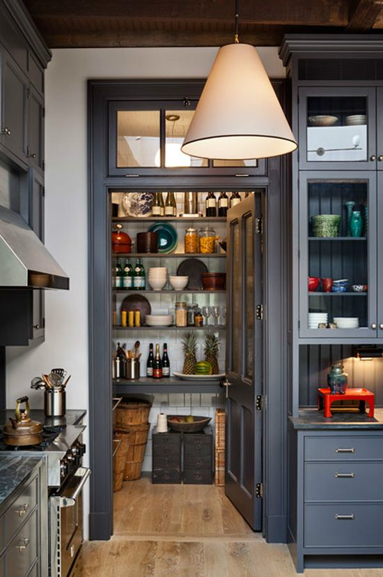 Townhouse Living With Traditional And Modern Design | Speisekammer ...