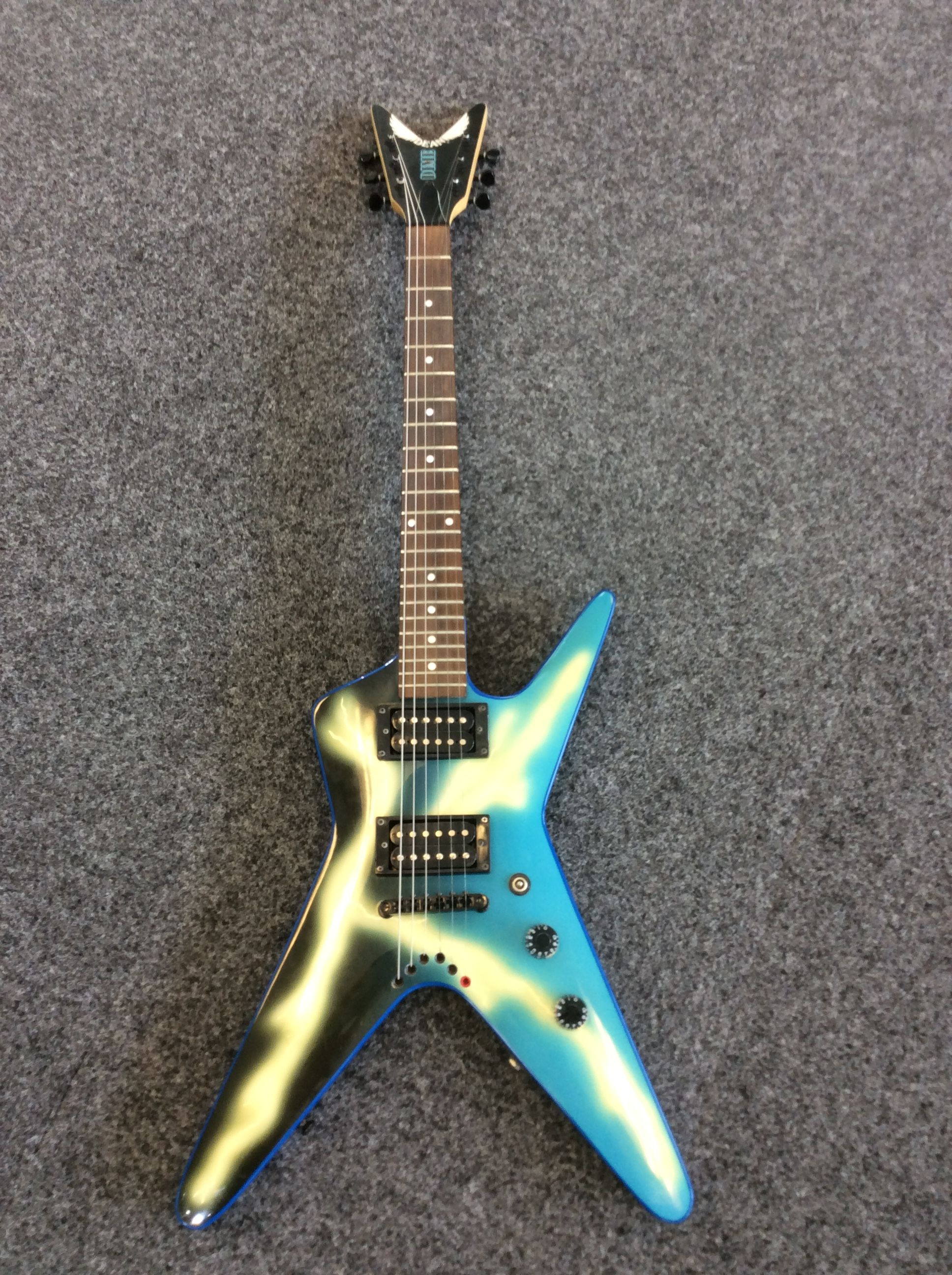 dean from hell dimebag darrell mini baby ml lightning bolt electric guitar 3 4 sold sold in. Black Bedroom Furniture Sets. Home Design Ideas
